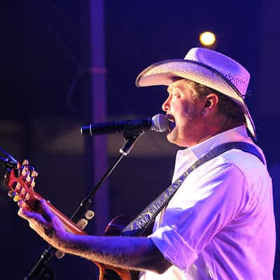 Tracy Lawrence at Summer Salute